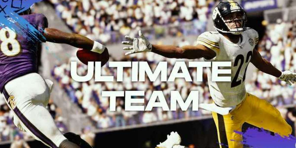 How do players who have strong loyalty to Madden games get MUT loyalty rewards