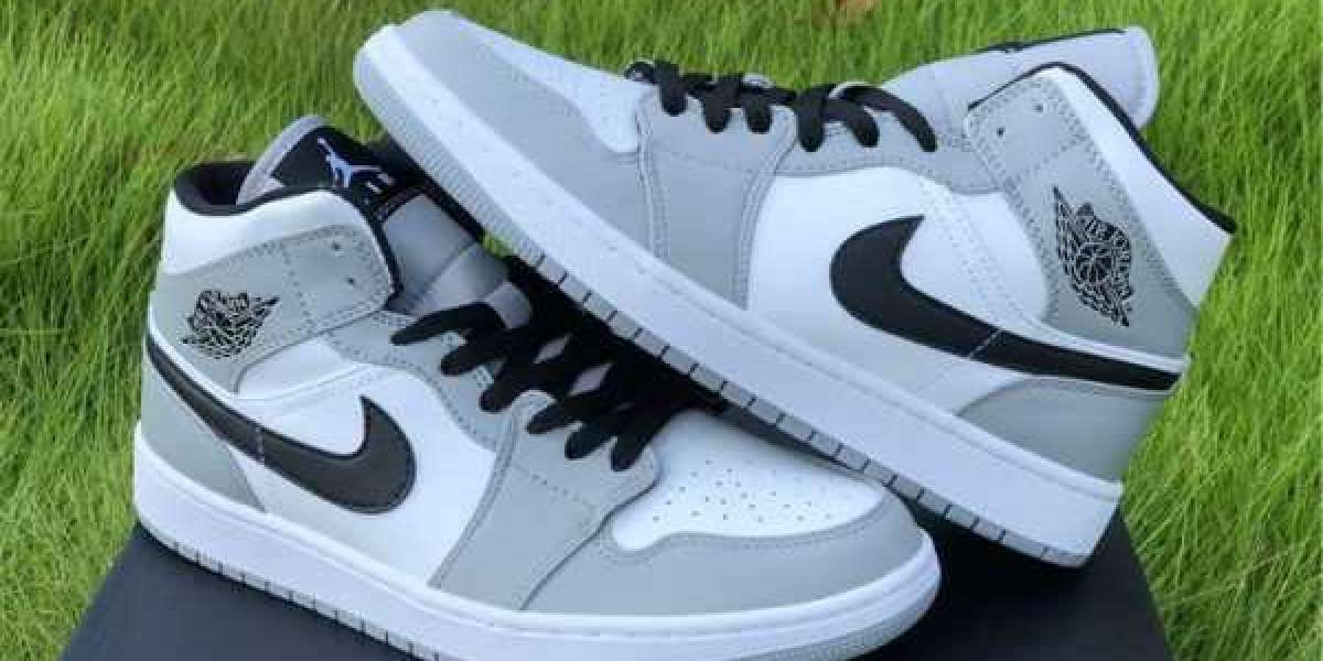 Can you find the Air Jordan 1 Mid Light Smoke Grey For 2021 Christmas