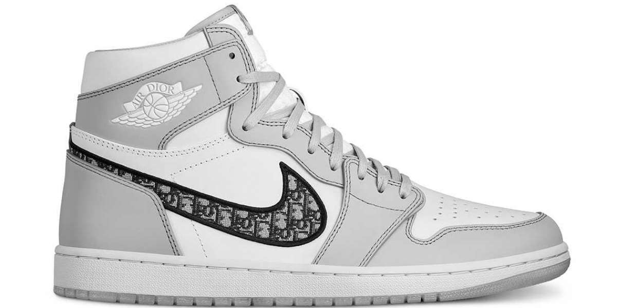 """Dior Air Jordan 1s is expected to be released in """"Chicago"""", """"Royal"""" and white/black"""